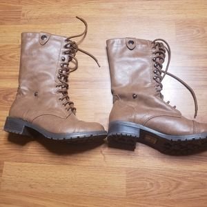 Soda brown boots lace up size 7